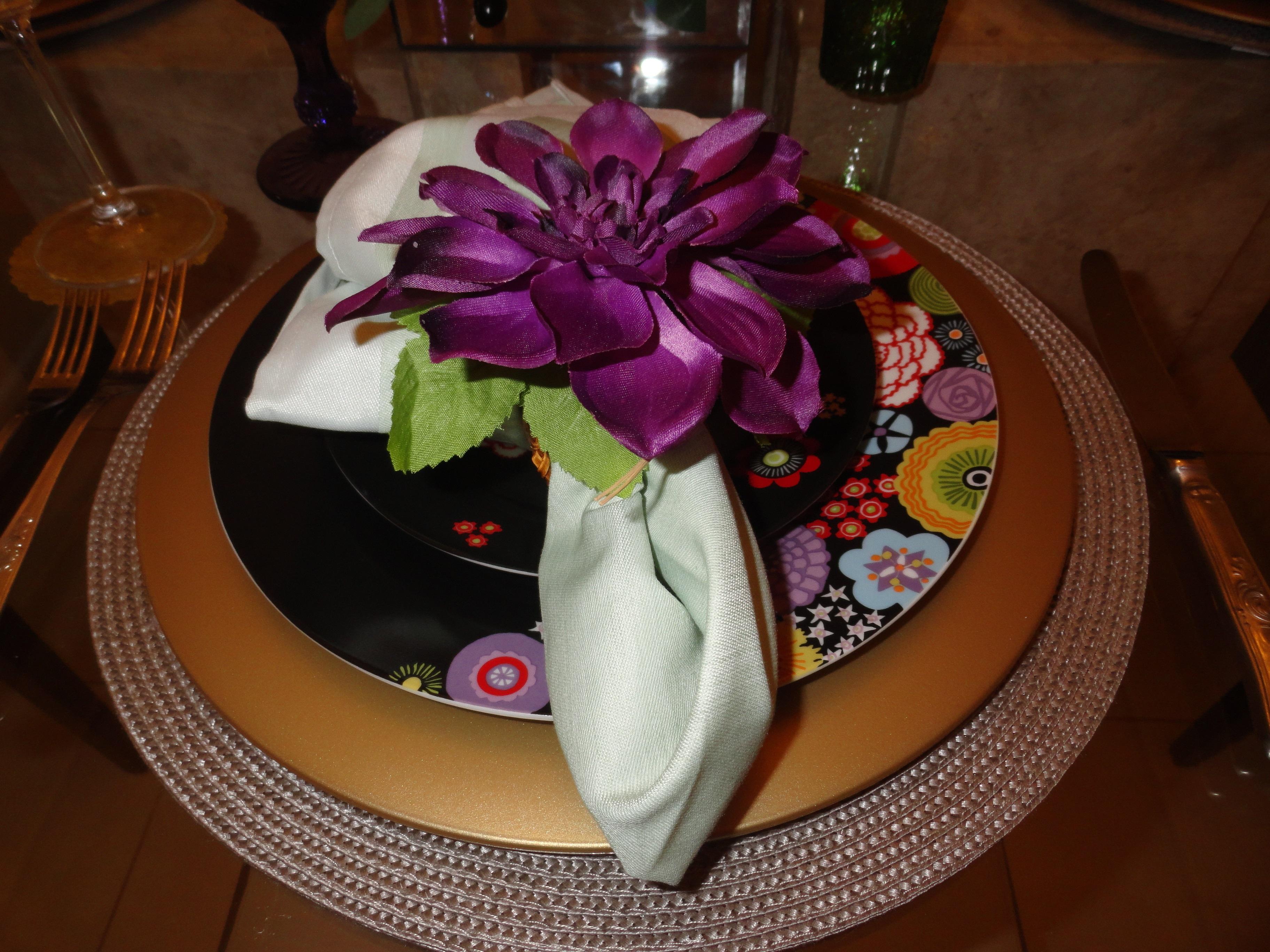 aparelho de jantar escolhido foi preto com estampas em flores  #30170E 3648x2736